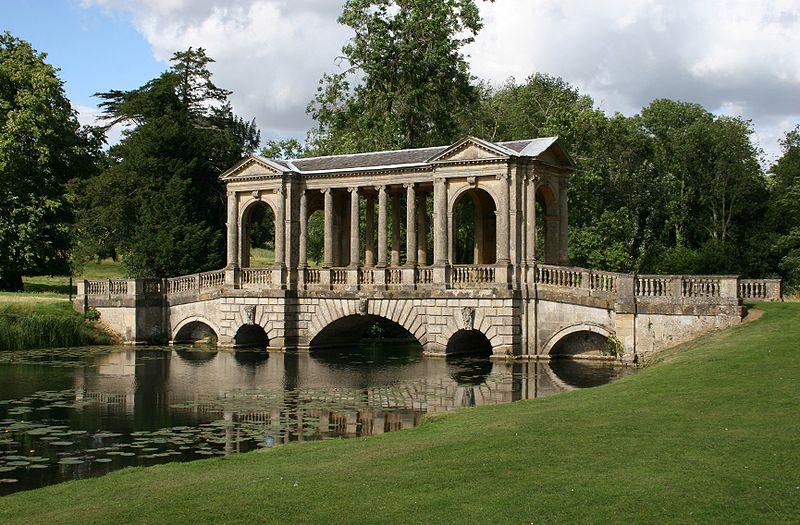 (*) puente palladino en Stowe Park.
