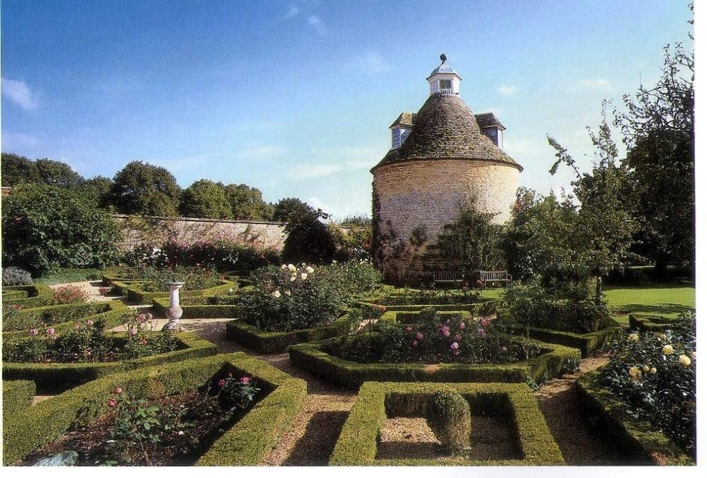 Rousham Park, Oxfordshire, la zona del palomar. Foto: Gdes. Jardines de Europa-Ehrenfried Kluckert.