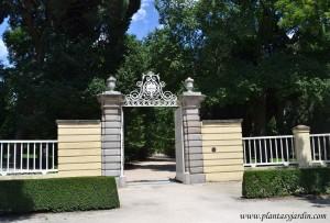 El Jardín El Capricho entrada principal