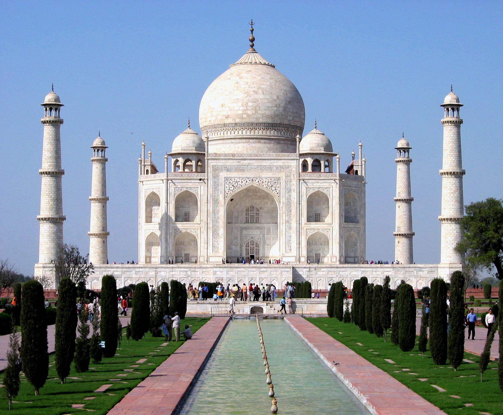 Taj Mahal en Agra-India, la mejor representación del jardín persa. Foto: Wikipedia.