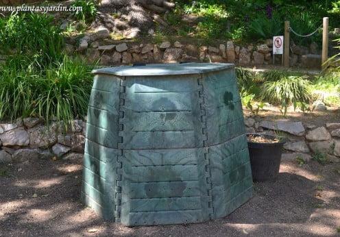 compostador en el antic jardí botanic