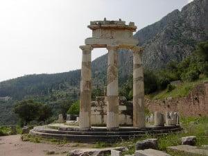 Tholos en Delphos. Foto: Wikipedia.