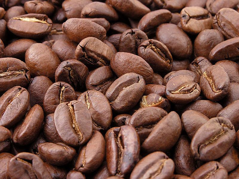 granos de café tostados. Foto: Wikipedia