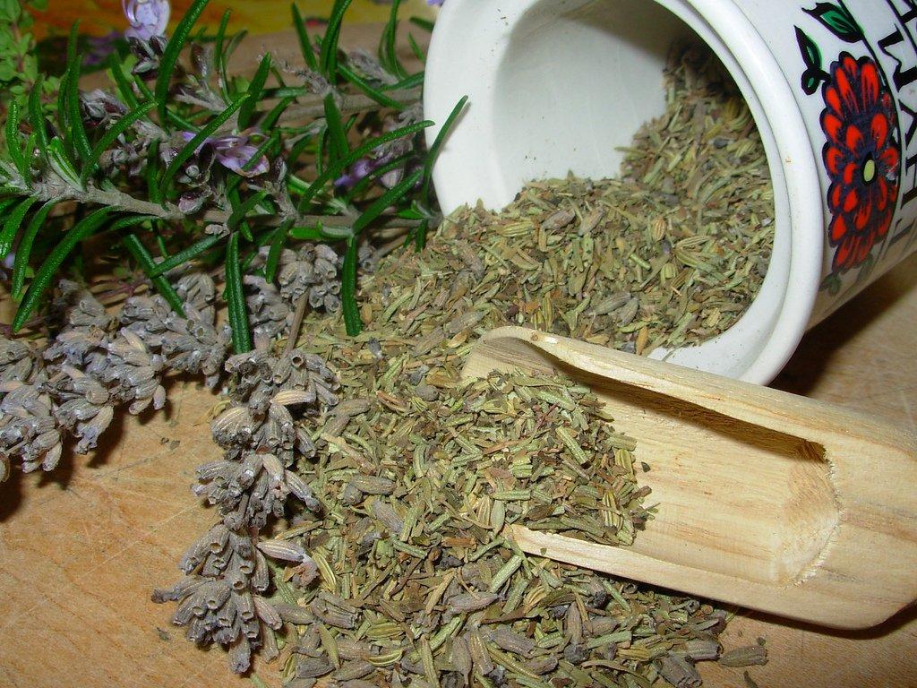 Hierbas de la Provenza-Herbes de Provence. Foto: Wikipedia.