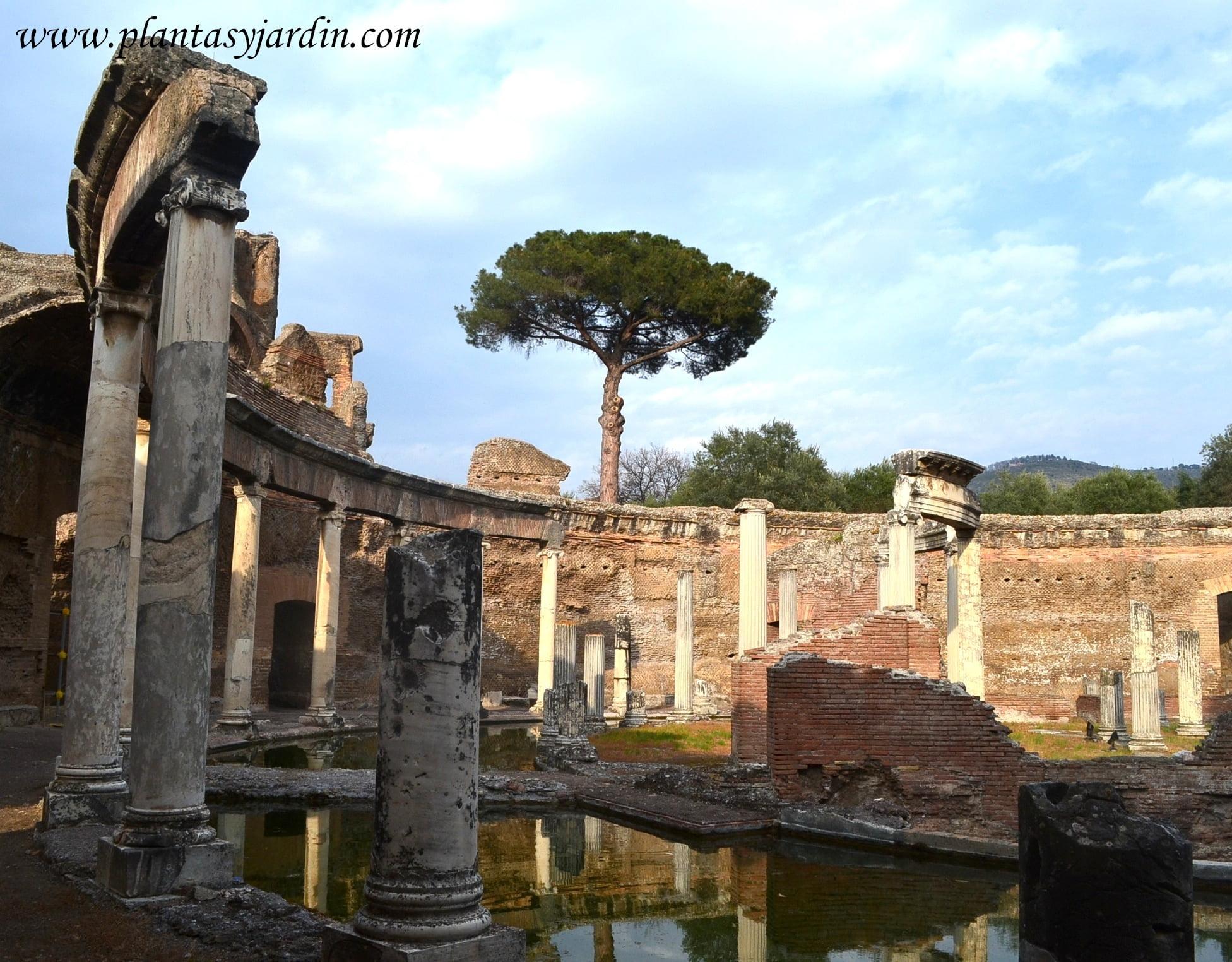Teatro Maritimo en la Villa Adriana, jardines imperiales de la Antigua Roma