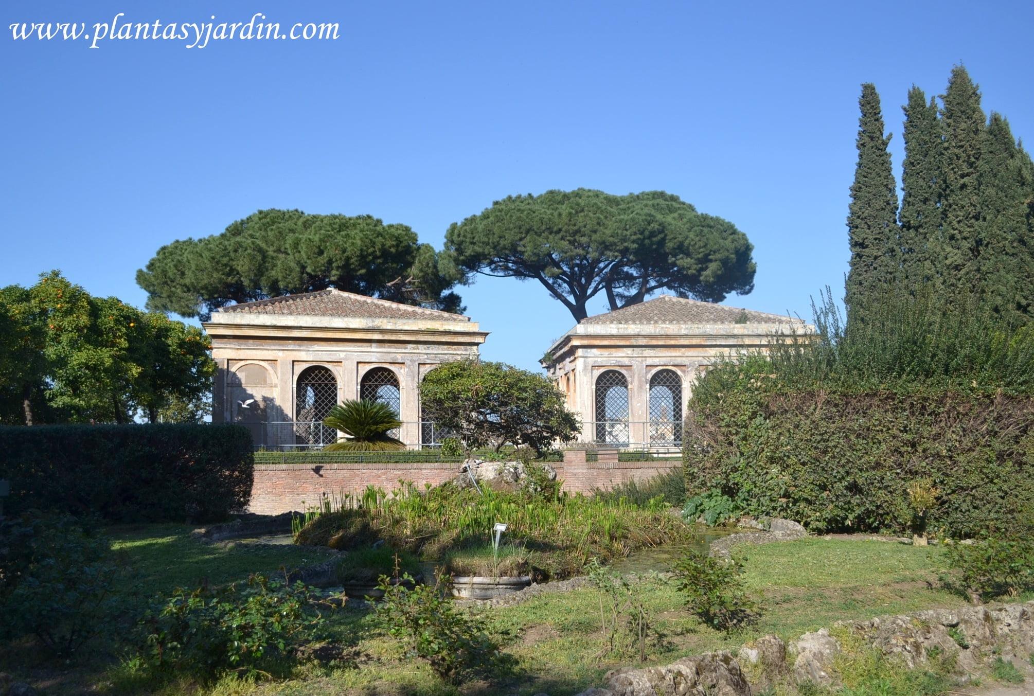 Horti Farnesiani-Jardines Farnesianos-Farnese Gardens en el Monte Palatino, foro romano