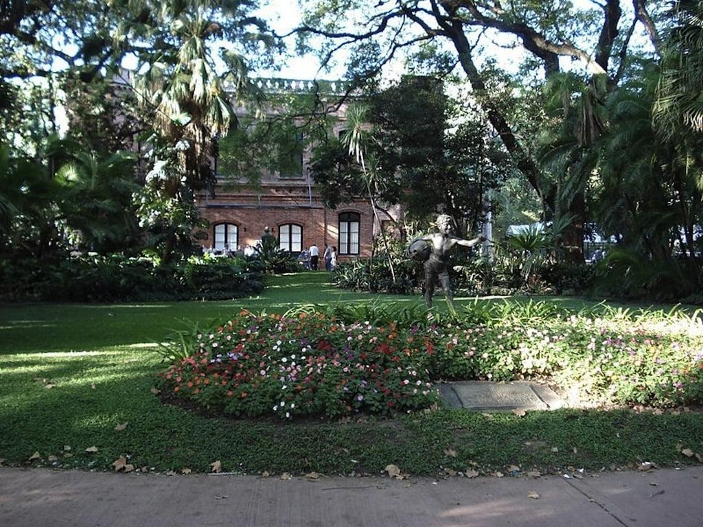 Entrada del Jardín Botánico de Buenos Aires Carlos Thays. Foto: Wikipedia