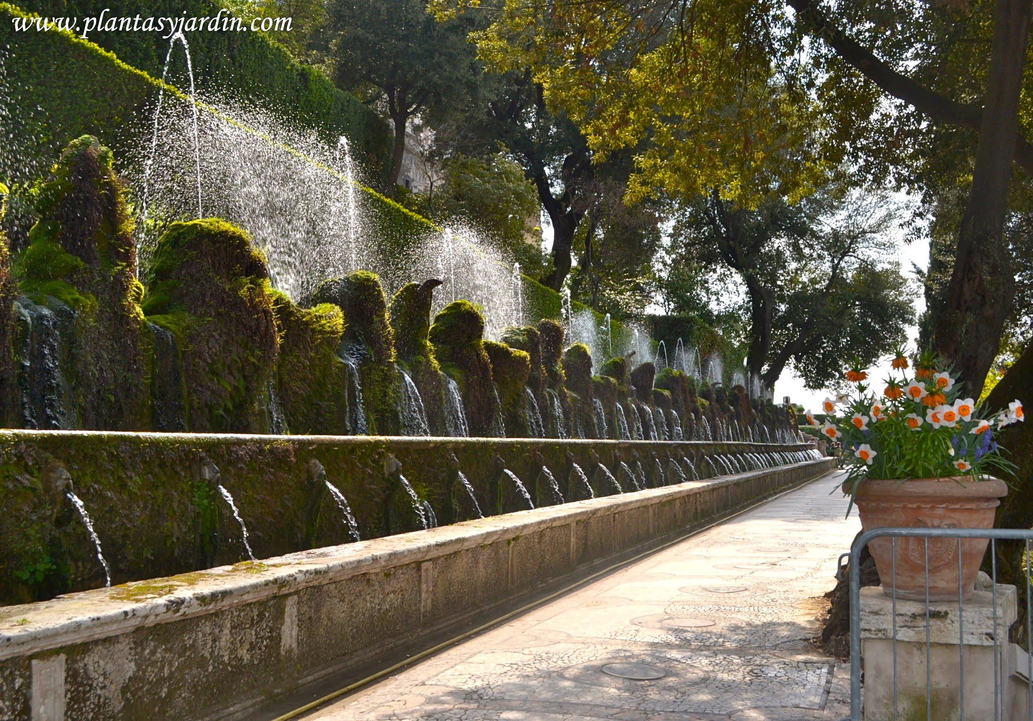 Las cien fuentes representa el antiguo curso de los rios tibertinos