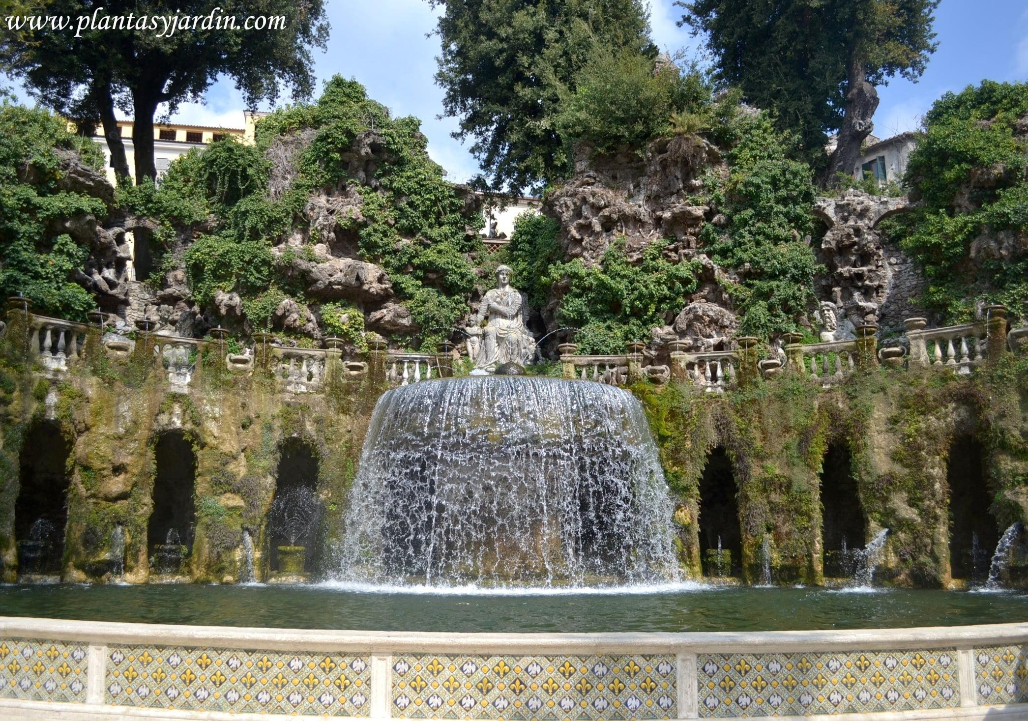 Fuente de Tivoli o del Ovario en Villa d'Este, jardines manieristas
